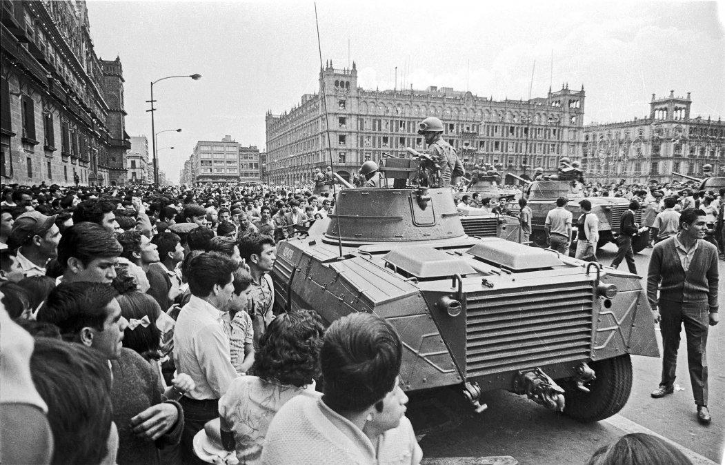 Tanquetas en el Zócalo de México el 28 de agosto de 1968.