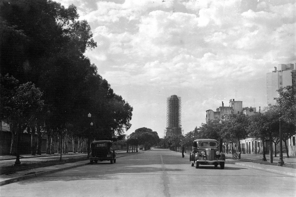 Vista panorámica de la Avenida Belgrano en Rosario