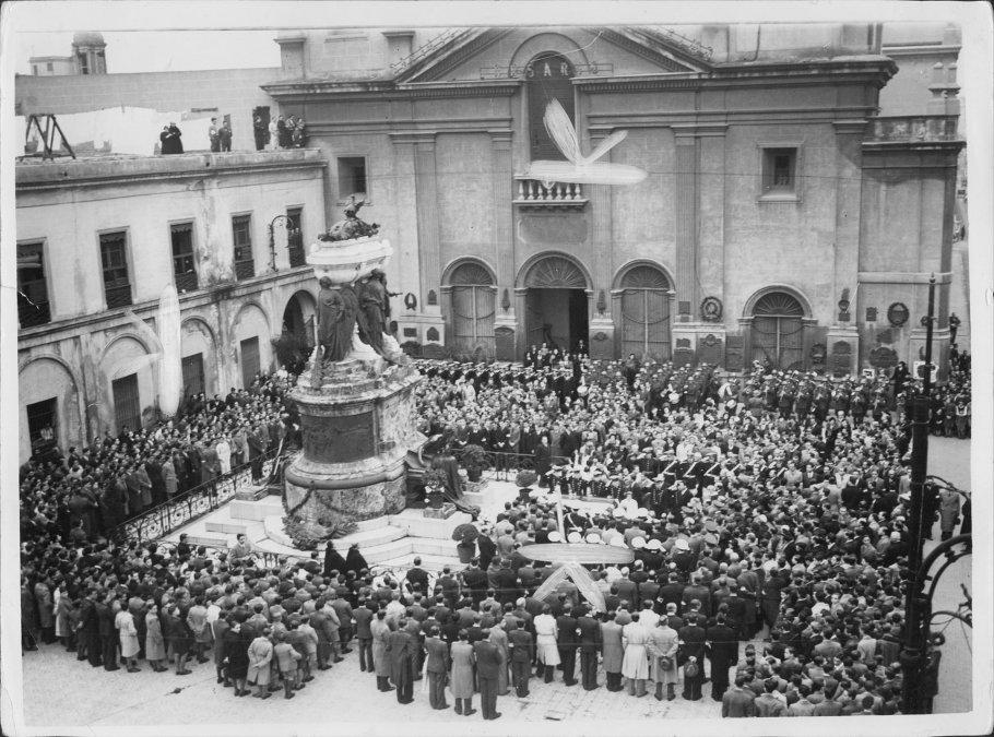 Acto en el Mausoleo de Belgrano
