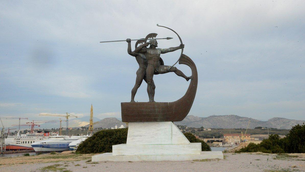 Monumento a la Batalla de Salamina en laisla de Salamina.