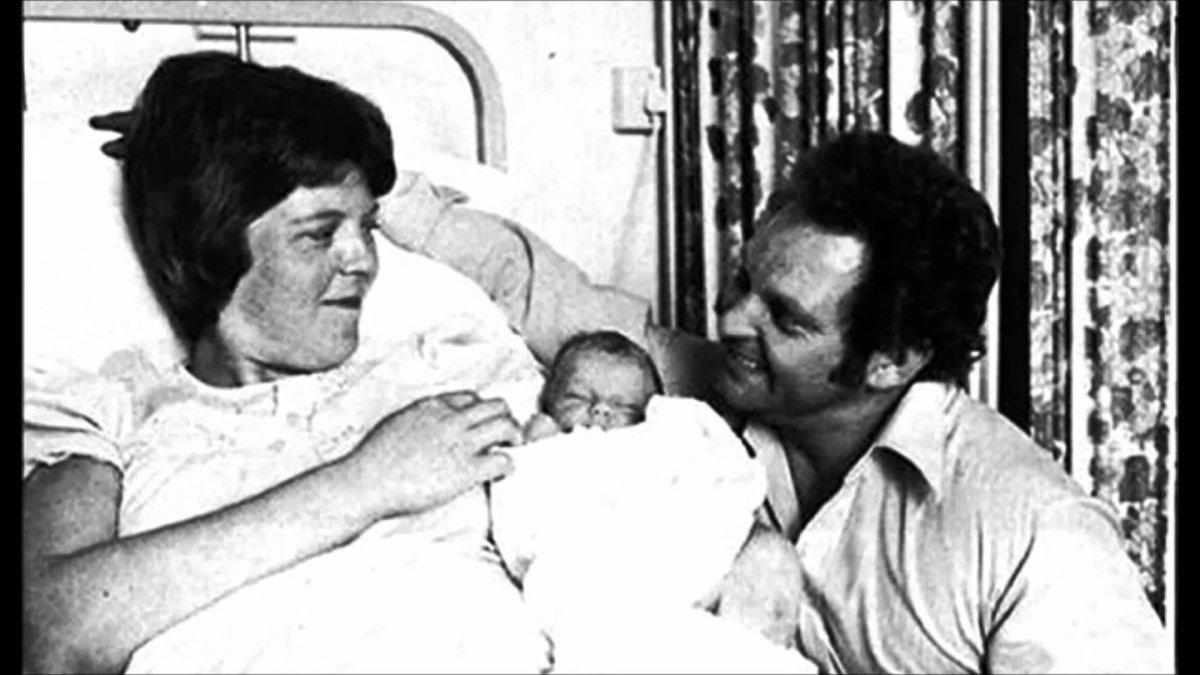 42 años del primer bebé de probeta