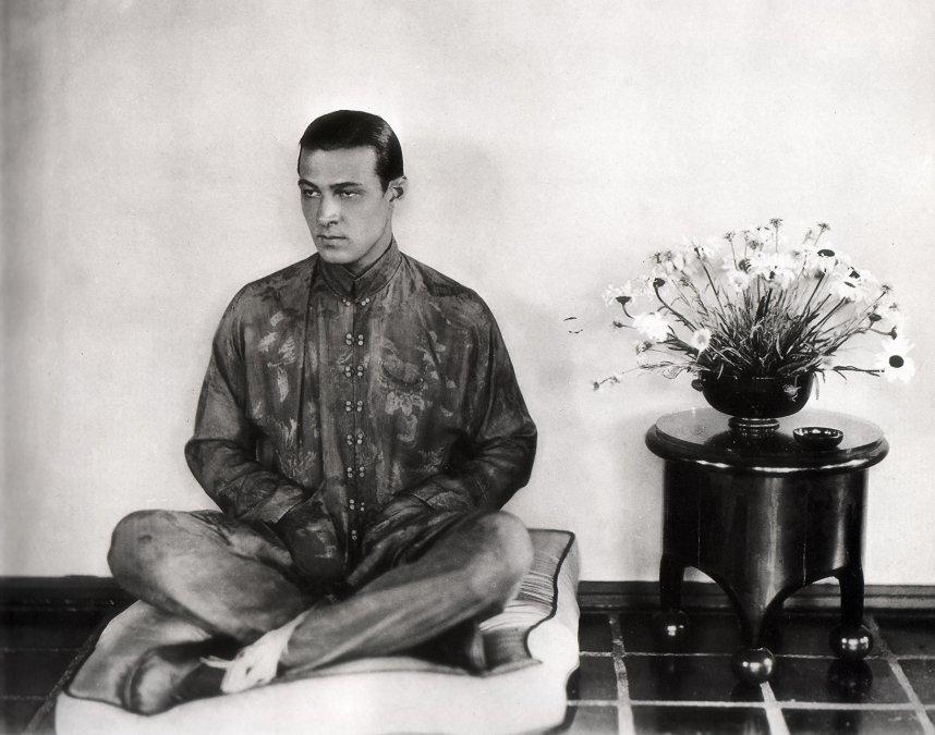 La muerte de Rodolfo Valentino