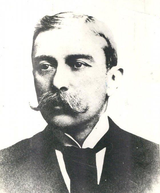 Miguel Cané, escultor