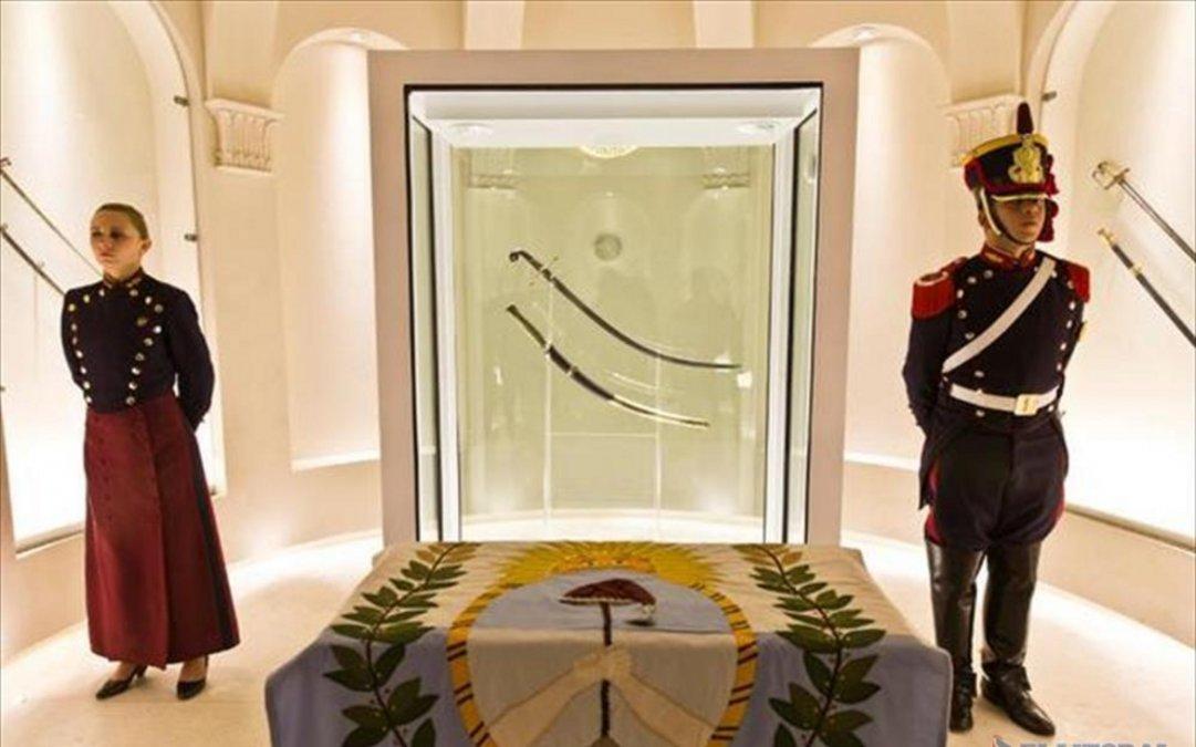 El robo del sable corvo de San Martín, uno de los sucesos más extraños en la historia argentina
