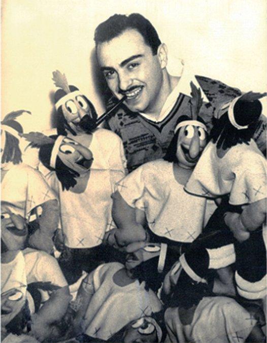 Dante Quinterno con muñecos dePatoruzú.