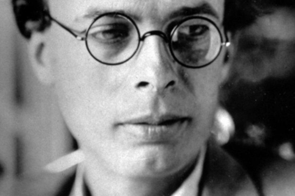 Aldous Leonard Huxley.
