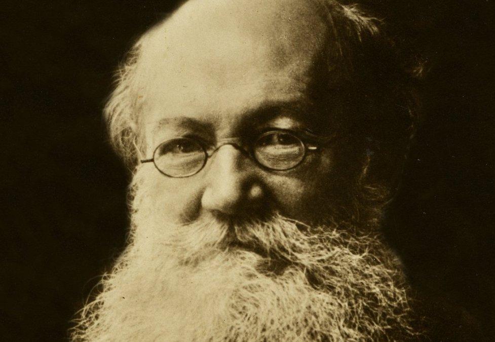 Piotr Alekséyevich Kropotkin (9 de diciembre de 1842 - 8 de febrero de 1921).