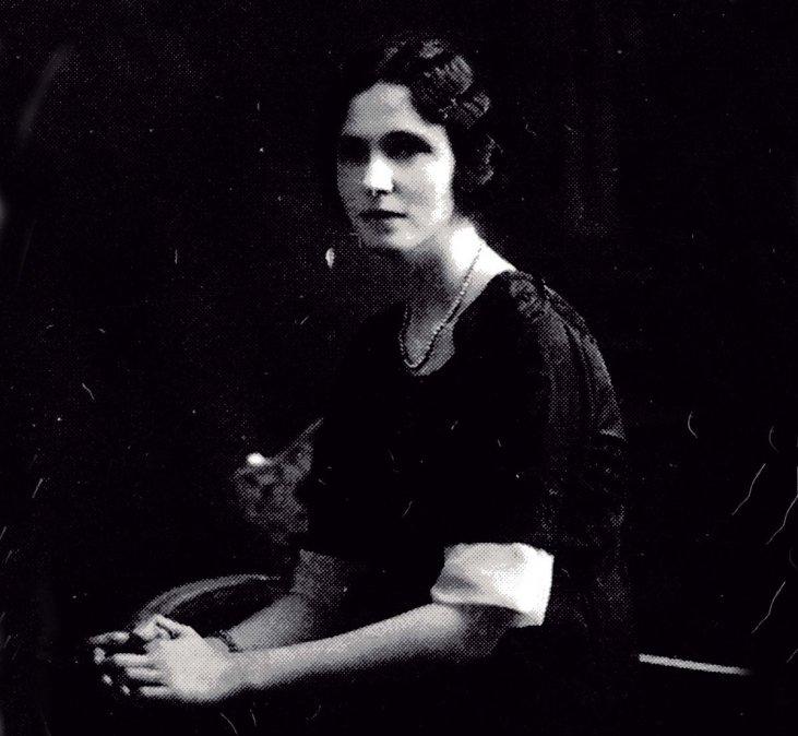 Delfina Bungede Gálvez (24 de diciembre de 1881 - 30 de marzo de 1952).