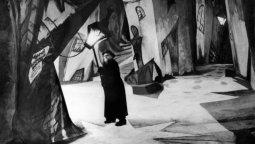 altText(El primer terror: El gabinete del Dr. Caligari)}