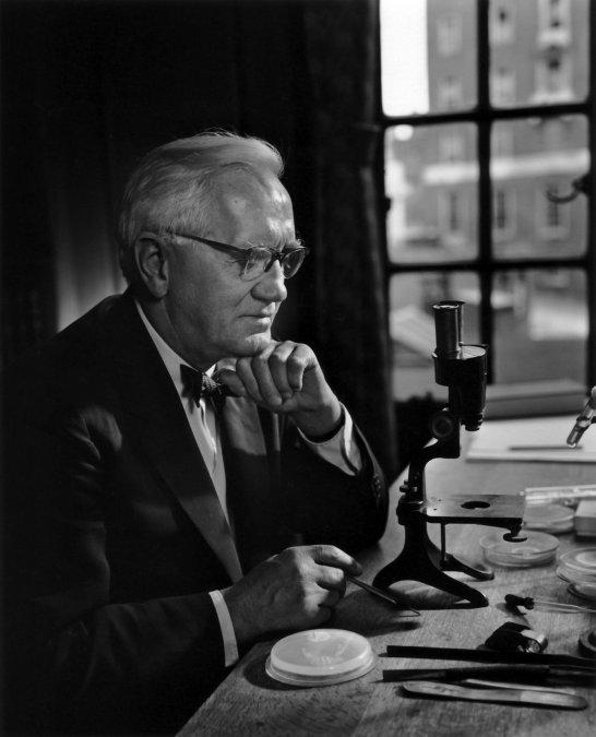 Sir Alexander Fleming (1954-1587).