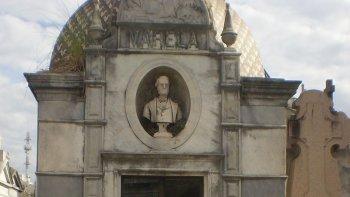Florencio Varela, su tumba en el cementerio de la Recoleta.