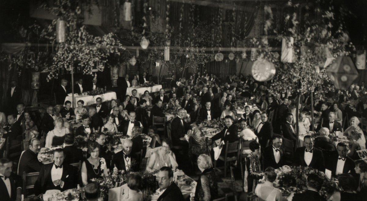 Los primeros Premios Óscar fueron en el Hollywood Roosevelt Hotel.