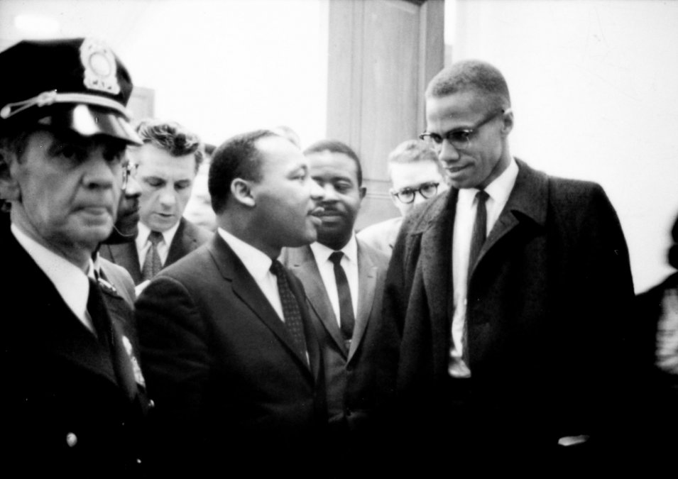 Malcolm X crea la Organización de Unidad Afroamericana