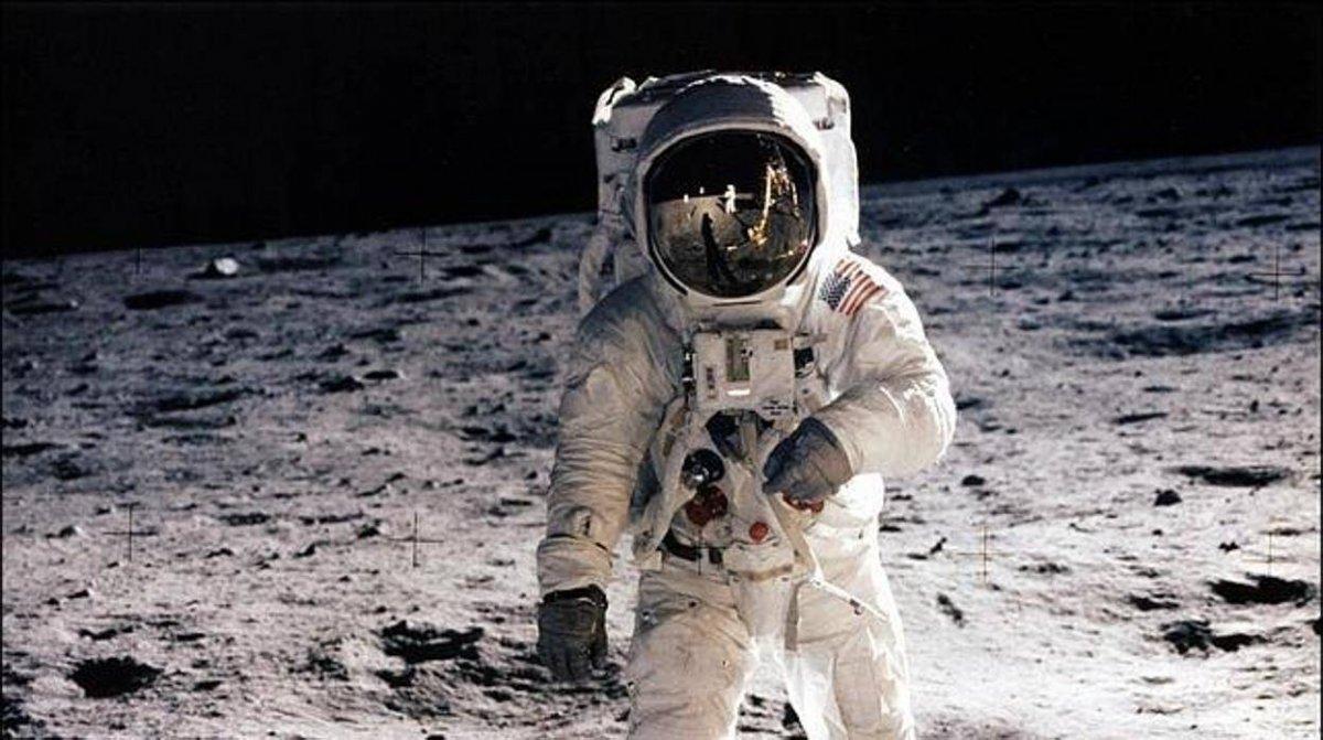 Un pequeño paso... y las teorías conspirativas sobre el hombre en la luna