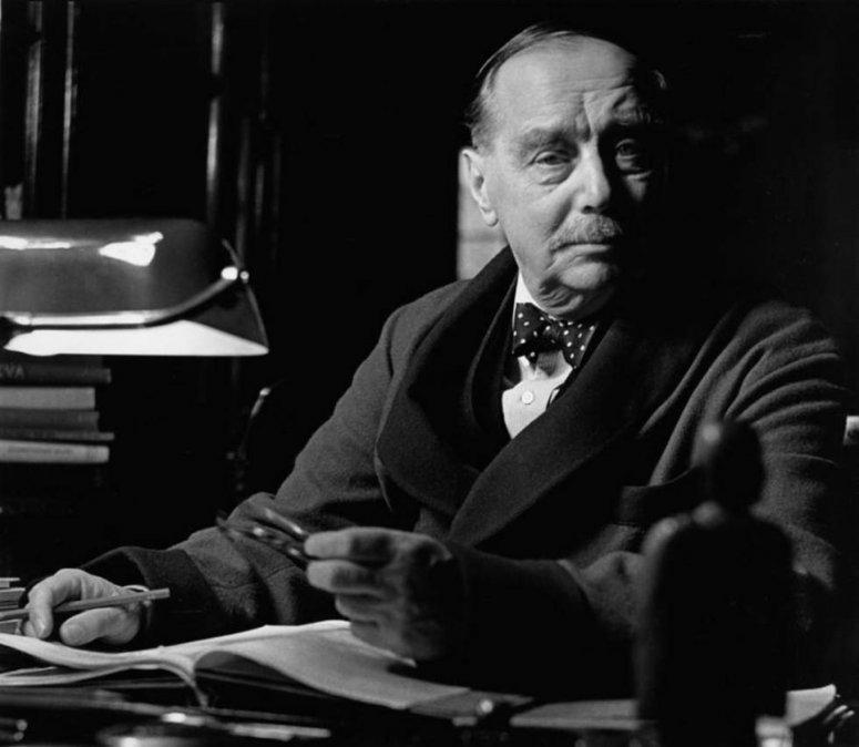 Herbert George Wells.
