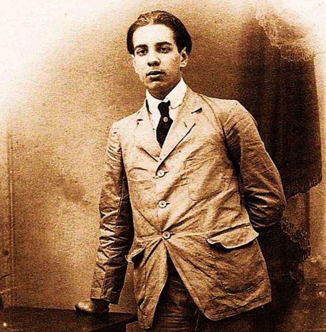 Jorge Francisco Isidoro LuisBorgesAcevedo (24 de agosto de 1899 - 14 de junio de 1986).