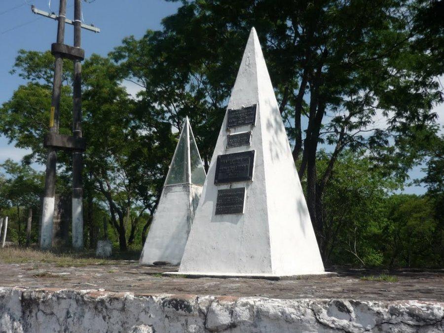 UN MONOLITO. Junto al Río Las Piedras recuerda la acción del 3 de setiembre de 1812.