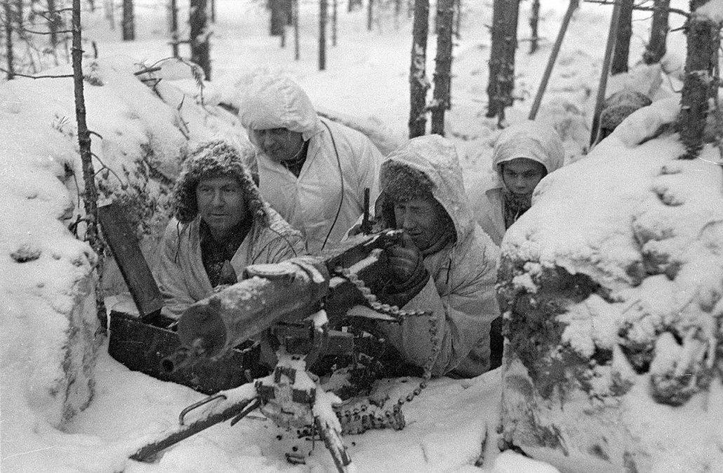 Equipo de ametralladora finlandesa durante la guerra de Invierno.