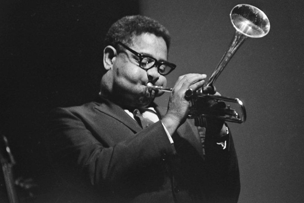 Dizzy Gillespie, diferente y brillante