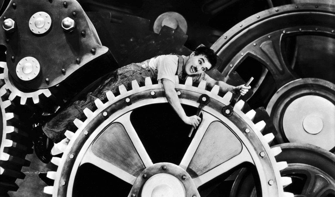 Tiempos modernos y la enajenación en la sociedad industrial