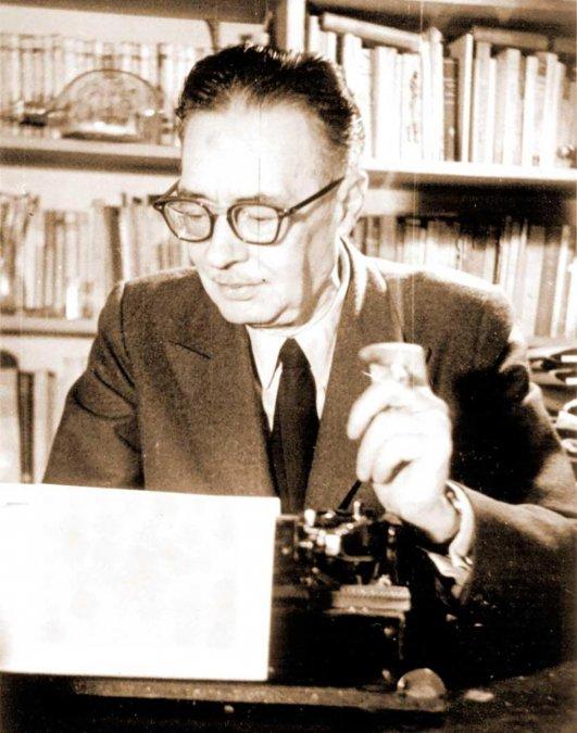 Conrado Nalé Roxlo