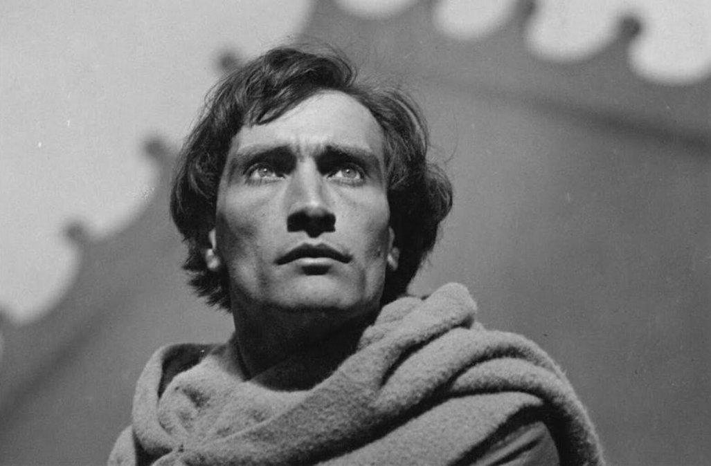 Antonin Artaud: existencia atormentada