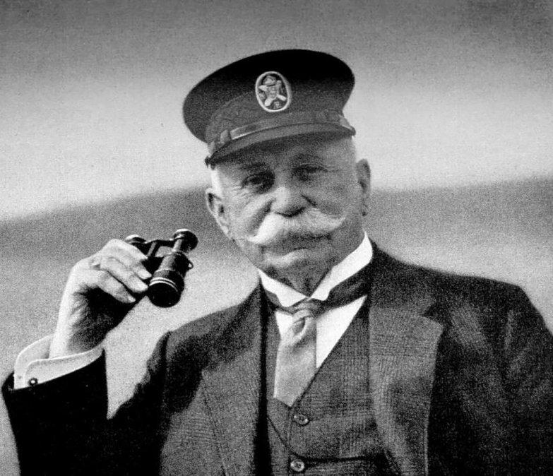 Conde Von Zeppelin, el general de caballería que soñaba con un cielo surcado por dirigibles