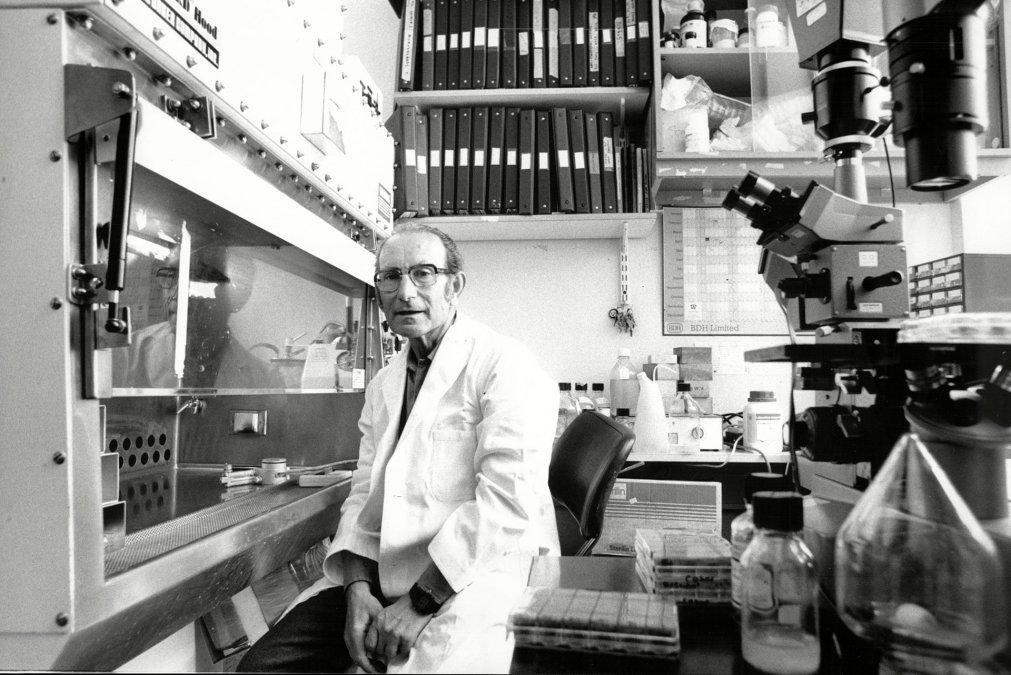 César Milstein, el último Premio Nobel argentino: su descubrimiento revolucionario y el engaño que le hizo perder millones
