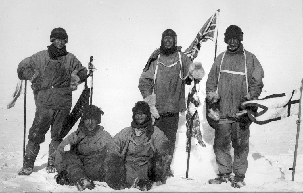 Los cinco miembros de la expedición a la Antártida. De izquierda a derecha
