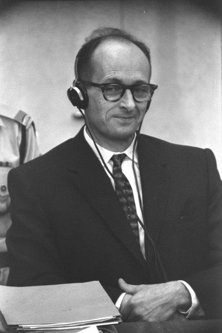 Adolf Eichmann en su juicio en Jerusalem