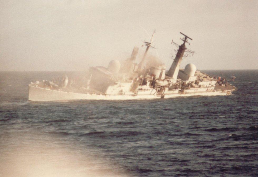 La hazaña de cuatro pilotos y el hundimiento del destructor británico HMS Coventry
