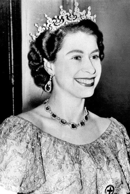 Isabel II al inicio de su reinado.