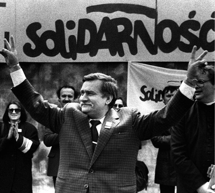 El sindicato Solidaridad de Lech Walesa gana las elecciones en Polonia