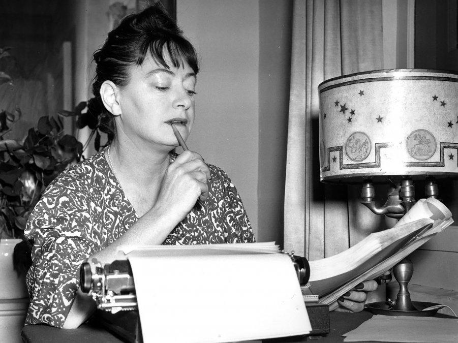 Dorothy Parker: perdonen por el polvo