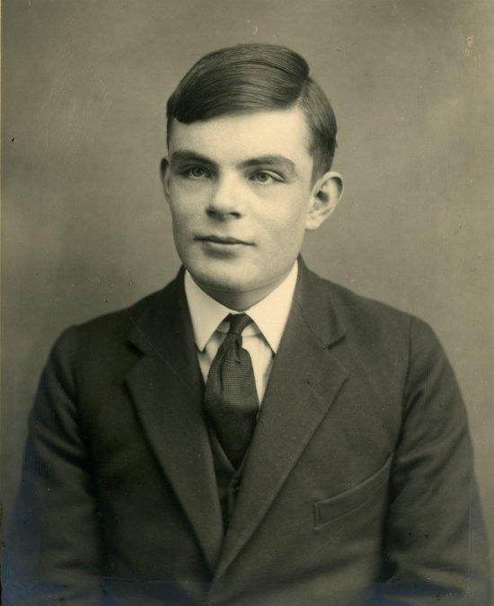 Alan Turing, el genio de las matemáticas que acabó con Hitler, muere... 65 años después