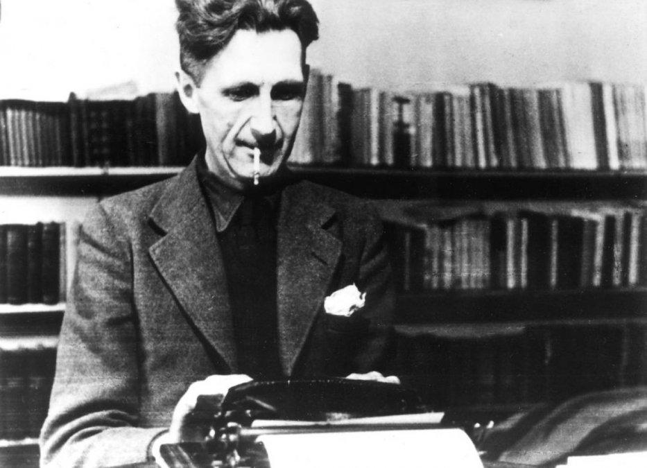 71 años de la publicación de 1984: 10 predicciones que acertó la obra maestra de George Orwell