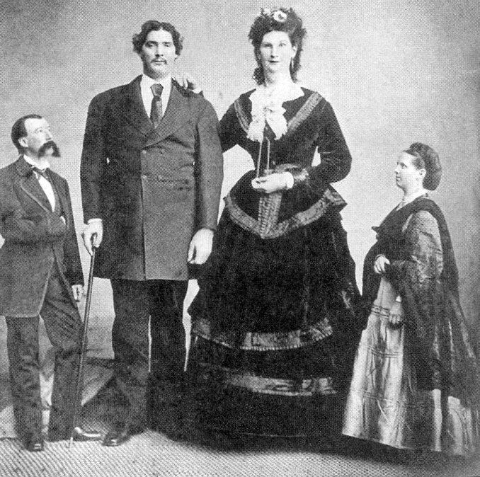 Anna Swan yMartin Van Buren