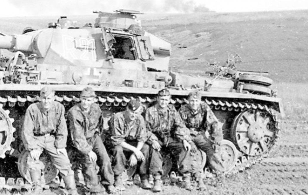 {altText(Un grupo de tanquistas durante la guerra<div><div><div></div></div></div><a href=