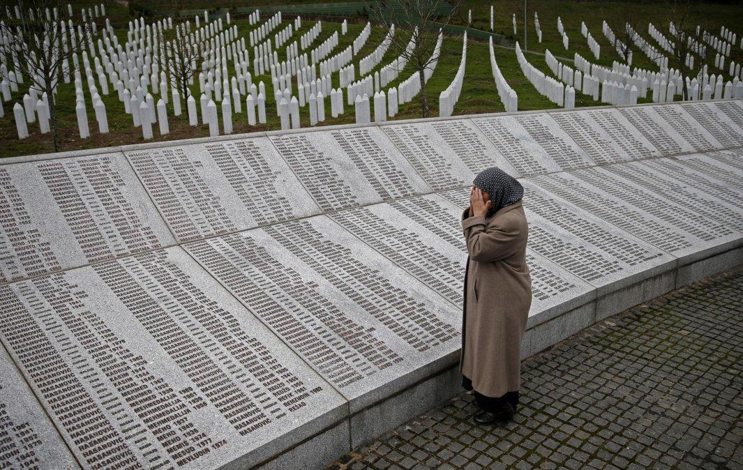 Cómo fue la Masacre de Srebrenica por la que fue condenado por genocidio Radovan Karadzic