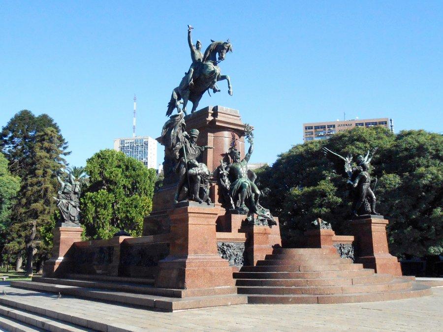 Monumento al general José de San Martín y el ejército de los Andes