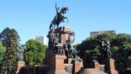 altText(Monumento al general José de San Martín y el ejército de los Andes)}