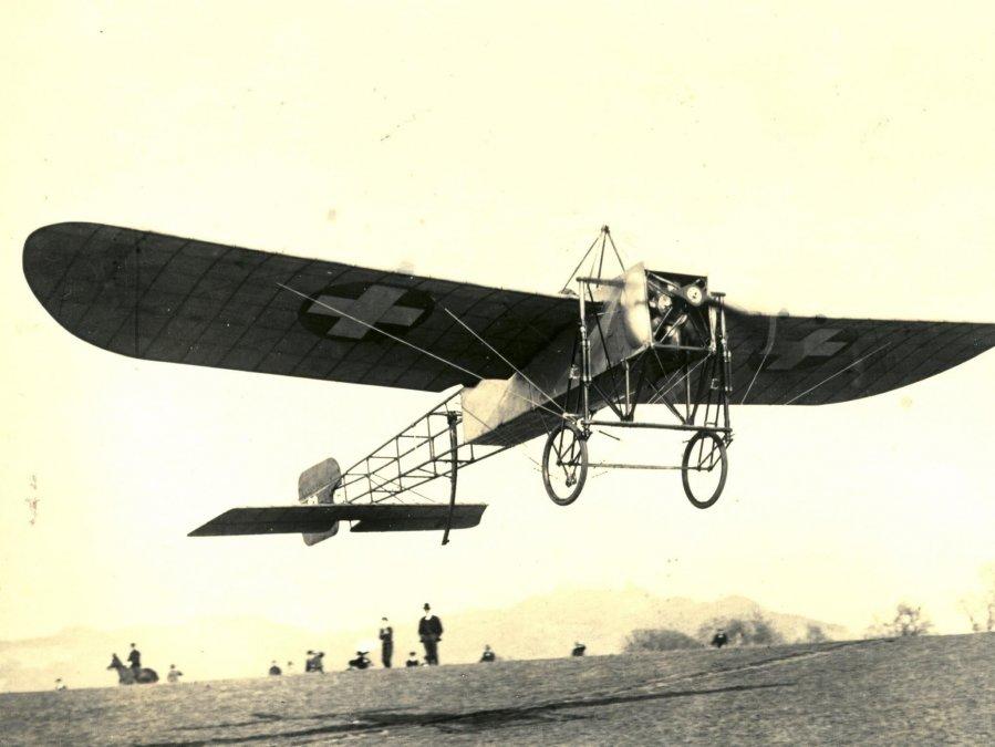 El primer vuelo sobre el Canal de la Mancha
