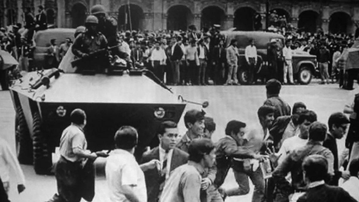 Soldados en el Zócalo de Ciudad de México