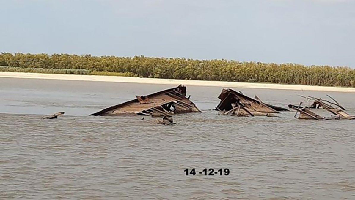 Fotografía del casco del barco Favorito Santos Cosme y Damián