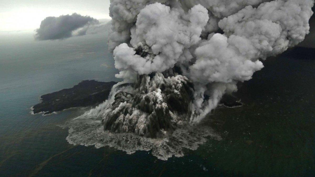 Krakatoa, al este de Java