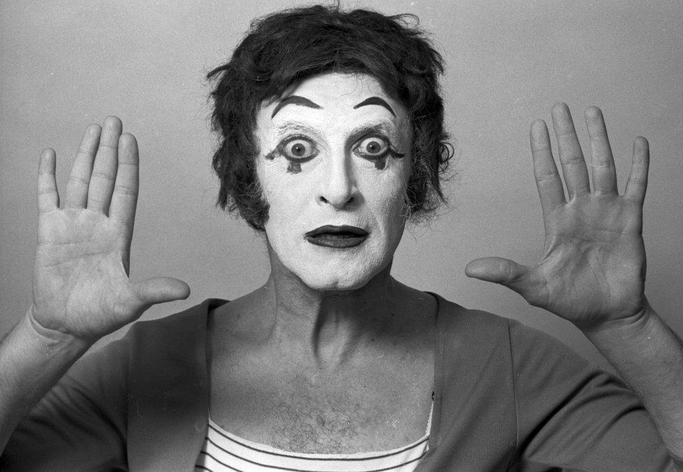 Marcel Marceau, el héroe que salvó de los nazis a más de 400 niños antes de convertirse en el mayor mimo de la historia