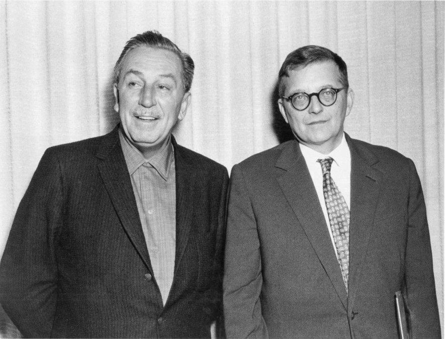Walt Disney (izquierda) y Dmitri Shostakovich (derecha)