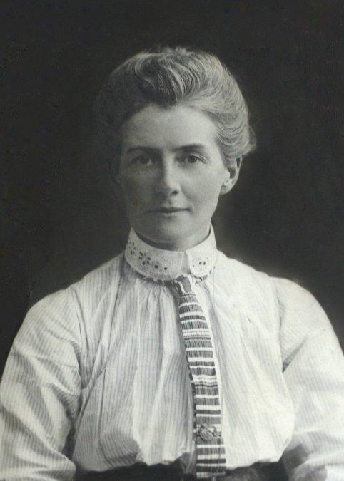 Edith Cavell (1865-1915) - Una santa en las trincheras