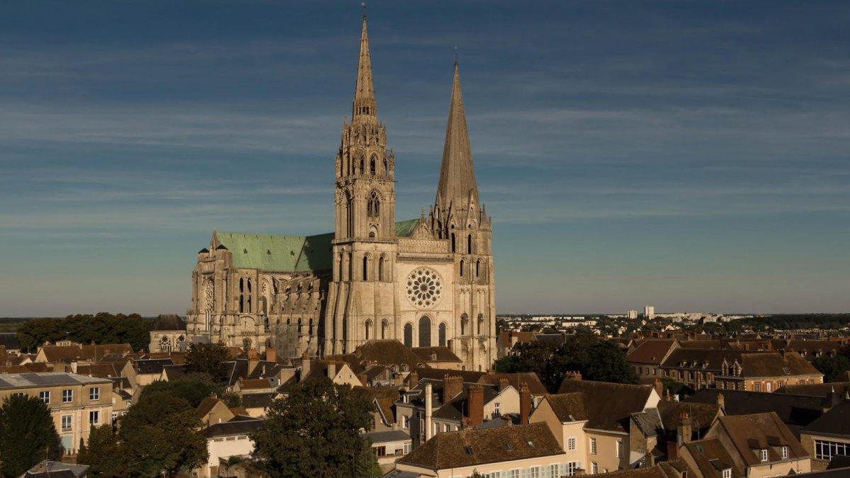 Chartres, la catedral incompleta