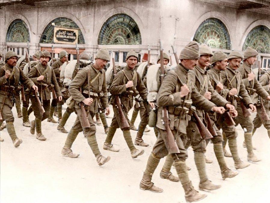 Tropas otomanas durante la Gran Guerra.